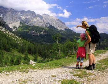 Wandelen in de bergen met kinderen. Foto www.eenbergwerk.nl