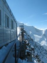 De nieuwe Goûter-hut, gezien vanaf de oude. Foto Constantijn Kaland