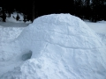 Een zelfgebouwde iglo in Zwitserland