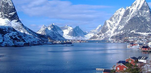 Reinefjord in Lofoten. foto A Giubelli/www.visitnorway.com