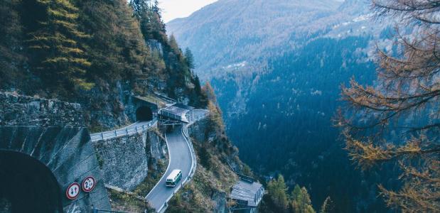 meerijden met wielrenners in de bergen