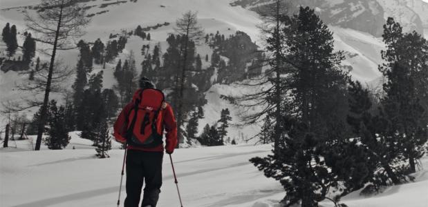 Sneeuwschoenwandelen rondom de Gemnipas in Wallis/Berner Oberland