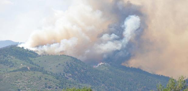 Bosbrand in de bergen. Foto DVIDSHUB