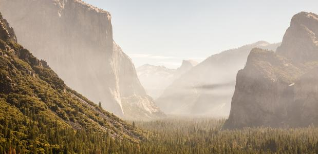 Yosemite National Park open na bosbrand