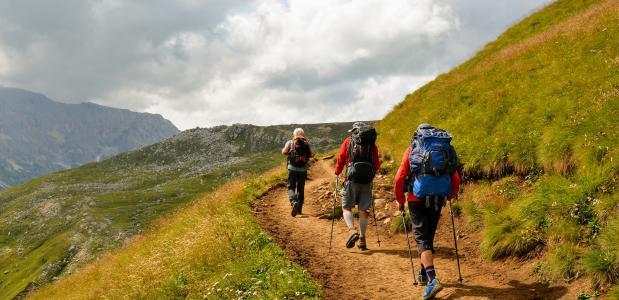 Bergwandelen met wandelstokken