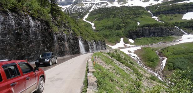 Autorijden in de bergen. Foto via Pixabay