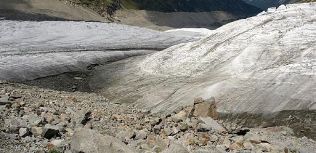 Voorwerpen gevonden in gletsjerijs. Foto Uglix