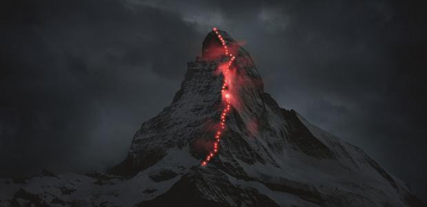 Verlichte Matterhorn. © Robert Bösch - Mammut und erdmannpeisker