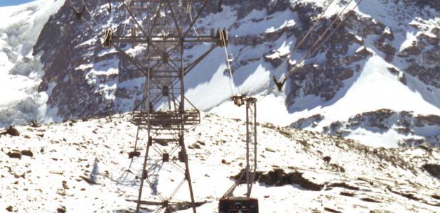 De bestaande skilift op de Klein Matterhorn