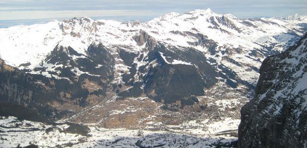 Besneeuwde Alpen. Foto James Trosh
