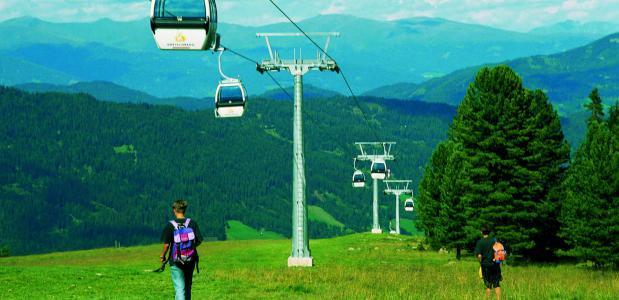 Kreischbergbahn in de zomer.