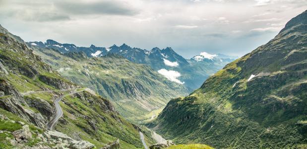 lockdown corona oostenrijk zwitserland alpen