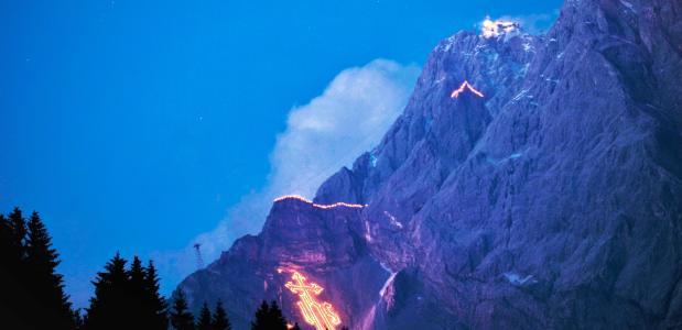 Bervuur in de Alpen. Afbeelding: Tiroler Zugspitz Arena / Albin Niederstrasser, www.presse.tirol.at