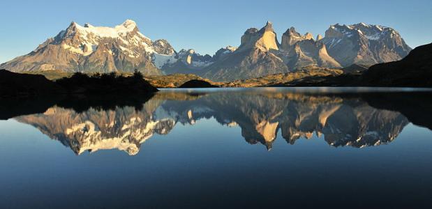 Siebe Vanhee en Sean Villanueva klimmen in Patagonië