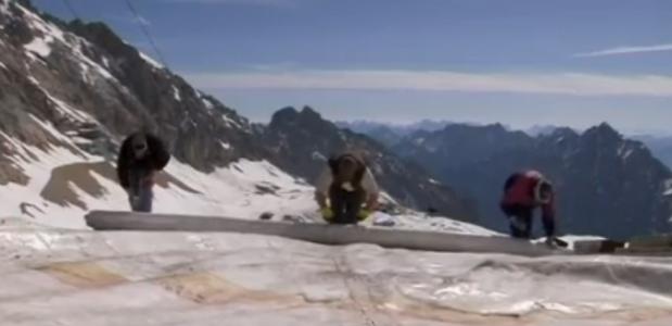 Zugspitze wordt ingepakt met zeil