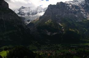 Ueli Steck geëerd met berg