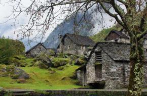Op vakantie naar het Valle Maggia en het Val Verzasca. Foto Bert Vonk