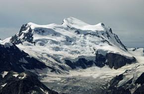 Grand Combin de Valsorey (4184 m). Foto Peuplier (Flickr)