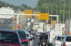 File op Franse snelwegen Foto Meg Errey