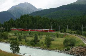 De Bernina Express bij Pontresina