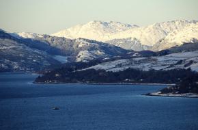 Besneeuwde bergen in Schotland. Foto easylocum
