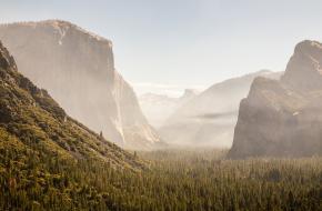 Yosemite National Park open na bosbrand