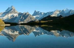 Verte in Balans - Bachalpsee - Berner Oberland - Zwitserland. Foto Frank Peters