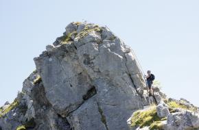 Een berg beklimmen via een klettersteig brengt risico's met zich mee