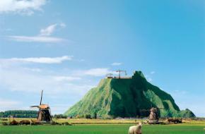 Het idee van een berg in Nederland is afkomstig van journalist Thijs Zonneveld.