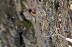 Klimmen op de Franse rotsen in de Queyras. Foto Rogier van Rijn