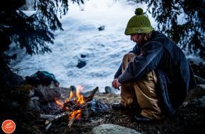 Wildkamperen in de sneeuw - Reishonger