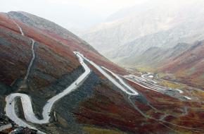 Kan je auto steile berghellingen aan