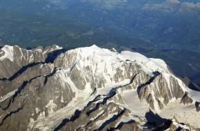 Mont Blanc vanuit de lucht. Foto Robert Verheij