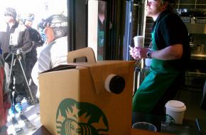 Starbucks ski thru foto Global X