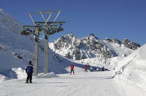 Een skilift in Zwitserland