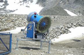 Sneeuwkanon in de Alpen