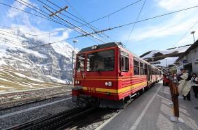 Trein naar Kleine Scheidegg