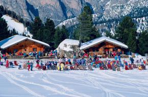 Ontspanning op de piste in Val Gardena in de Italiaanse Dolomieten