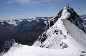Wildspitze in Ötztaler Alpen - Tirol. Foto awiemuc