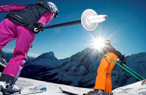 Skiërs in de Zugspitz Arena